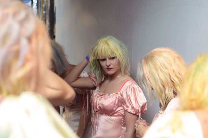 meadham backstage 01