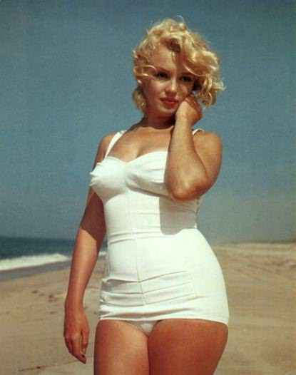 Beach goddess Marilyn Monroe.