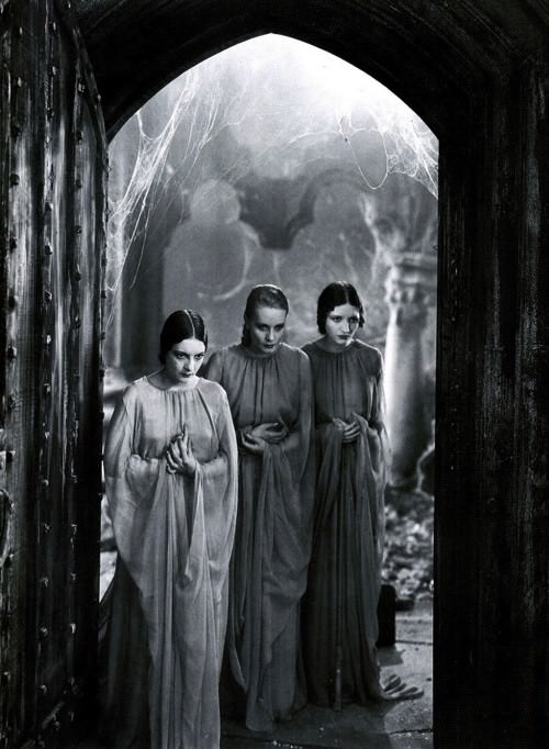 Dorothy Tree, Geraldine Dvorak, and Cornelia Thaw as Dracula's brides in Dracula (1931), directed by Tod Browning.