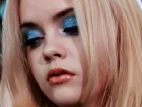 Secret Style Icon: Christina Ricci in Buffalo '66