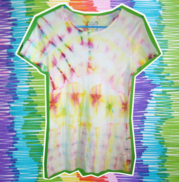 In the spirit of this month's theme, I thought it'd be fun to show you how to do some imitation tie-dye using supplies you'll most likely be able to find ...