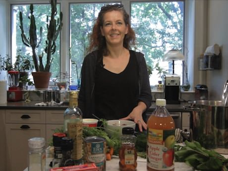 Sunday Video: How to Make Borscht With Neko Case