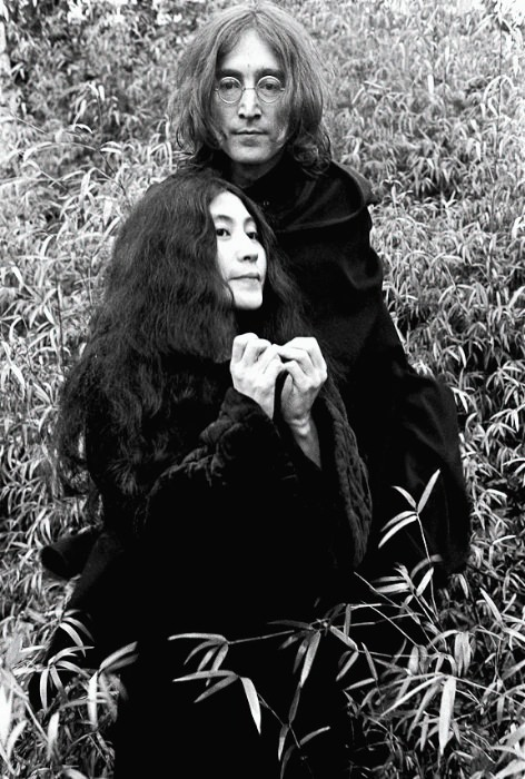 Photo of Yoko Ono and John Lennon in 1968 by Ethan Russell, via The Photogallery.