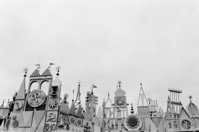 Photograph of Disneyland by Autumn de Wilde.
