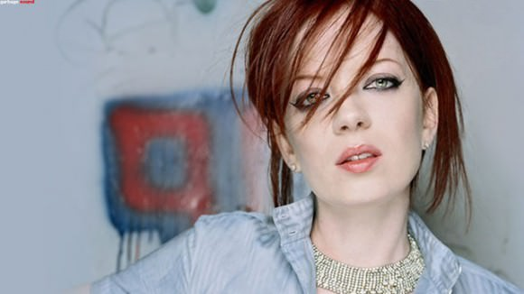 Shirley Manson, pre–internet quiz–related identity crisis, via the A.V. Club.