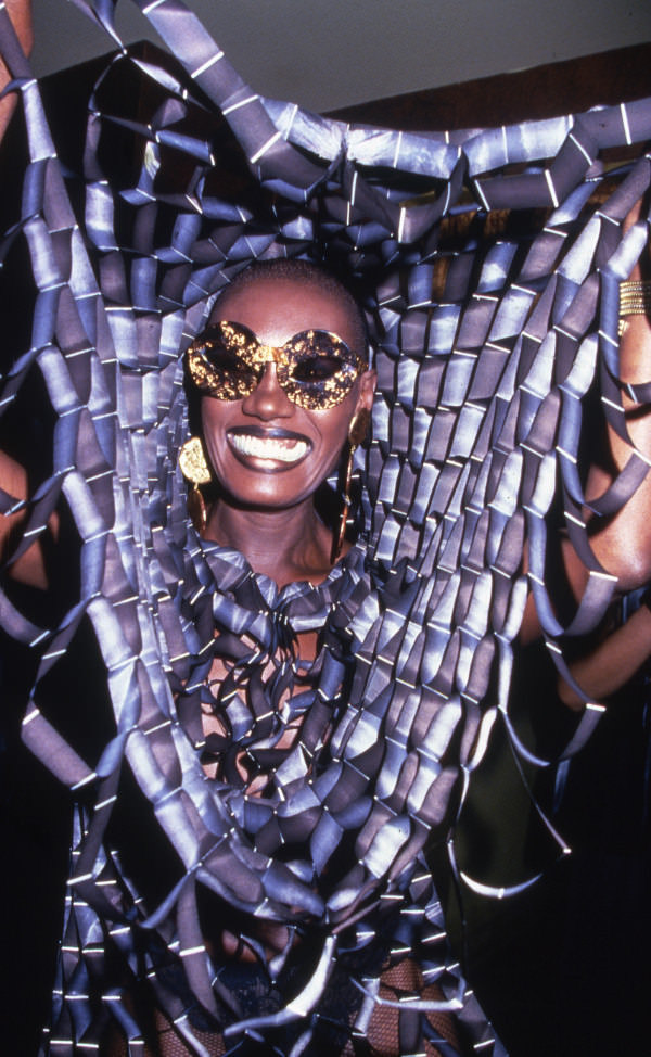 Photo of Grace Jones by Rose Hartman..