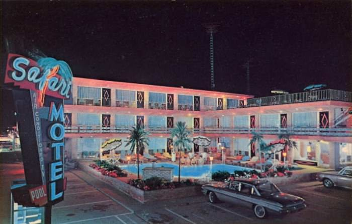 Vintage postcard of Safari Motel in Wildwood Crest, New Jersey, via CardCow.