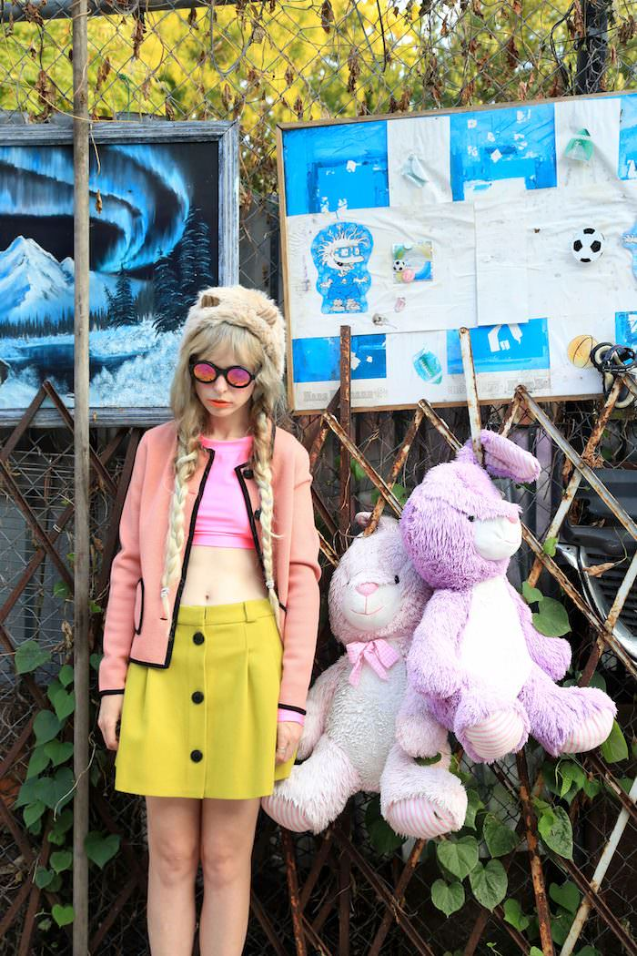 Hat by Jennifer Ouellette, sunglasses by Illesteva, 