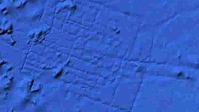 Google debunked this theory, but people still like to wonder whether this satellite shot of a weird pattern in the Atlantic Ocean might actually be ATLANTIS!
