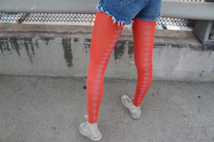 Coral-shell tights by Hose.