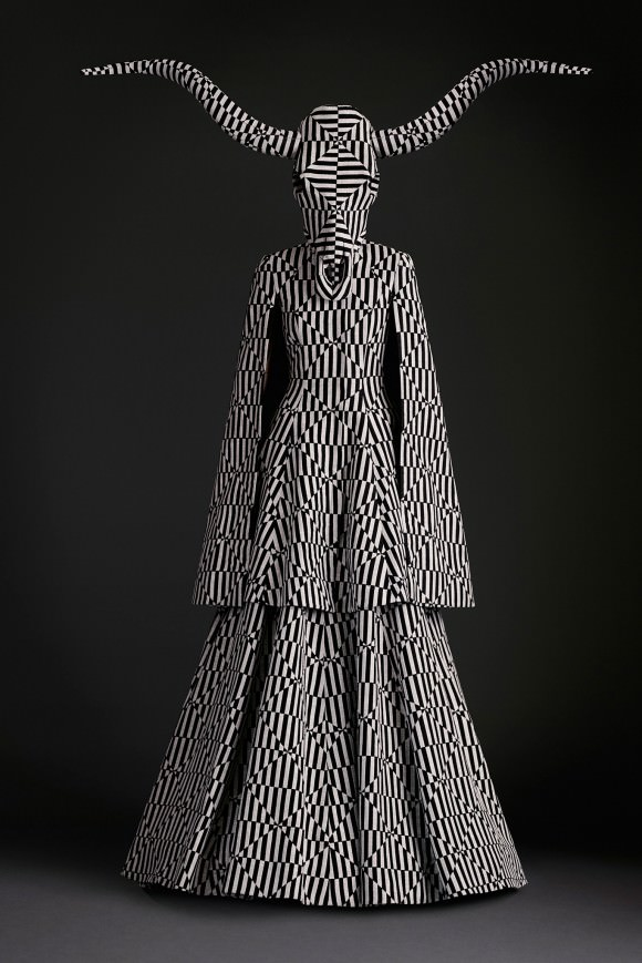 Photo courtesy of Gareth Pugh via Style.com.
