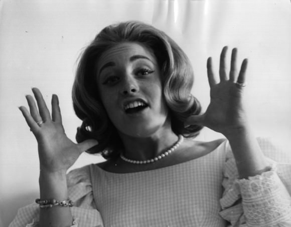 Photo of Lesley Gore on 4 September 1964, by Keystone/Getty Images, via Technology Tell.
