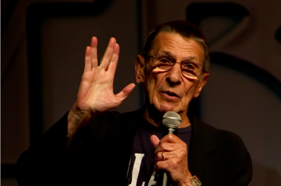 Photo of Leonard Nimoy gives a vulcan salute, by Beth Madison. Via IFL Science.
