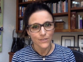 Ask a Grown Woman: Julia Louis-Dreyfus