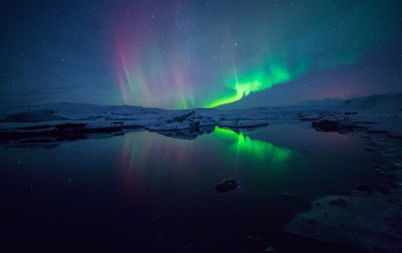 Aurora Borealis at Jökulsárlón, Iceland, from Nico's Flickr.