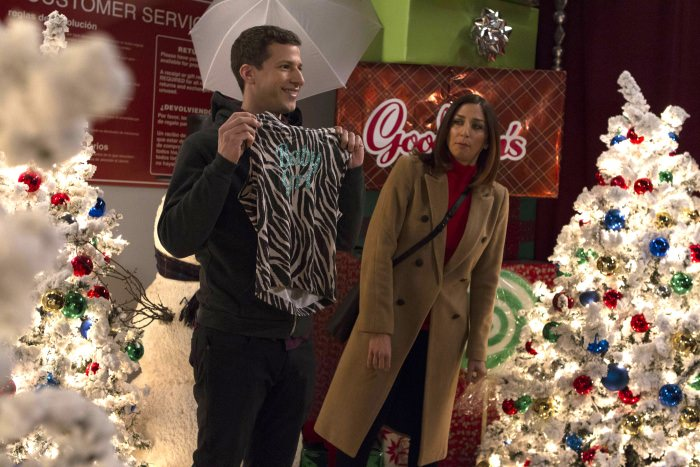 Andy Samberg and Chelsea Peretti in Brooklyn Nine-Nine.