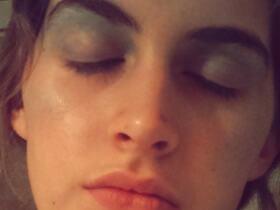 Makeup Trick: Glacial Face