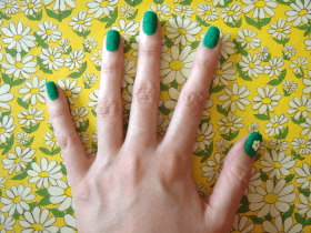 DIY Meadow Manicure