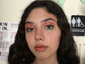 Makeup Trick: Strawberry Eyes