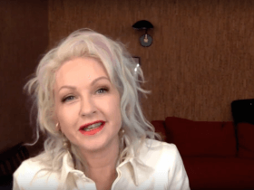 Ask a Grown Woman: Cyndi Lauper